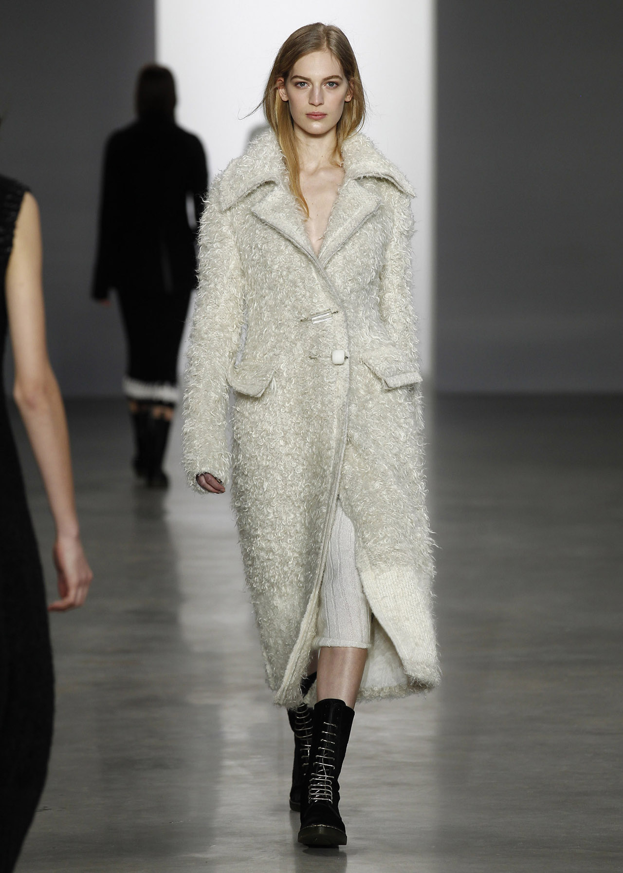 Calvin Klein Collection: Womenswear Fall 2014